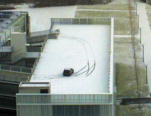 Auto Schleuder Schnee1  00010